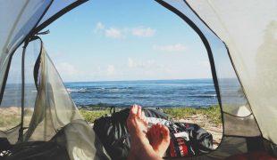 Nocleg pod namiotem - karimata, materac czy mata samopompująca?